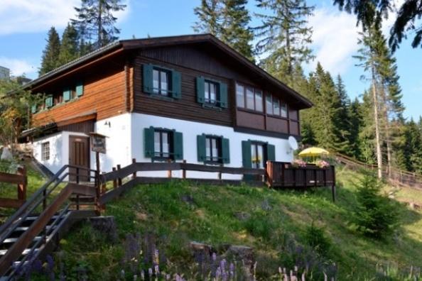 gro e h tte im skigebiet am klippitzt rl mit sauna. Black Bedroom Furniture Sets. Home Design Ideas